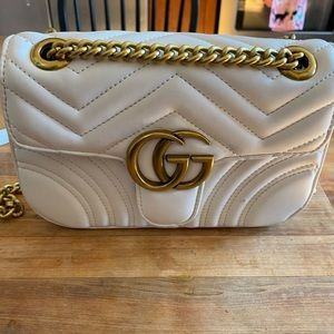Small Gucci marmont